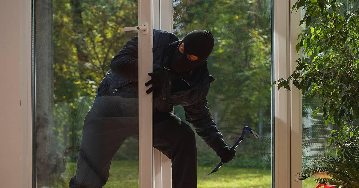 konekta-plus-posrednik-u-osiguranju-provalnik-zastita-stana-provala
